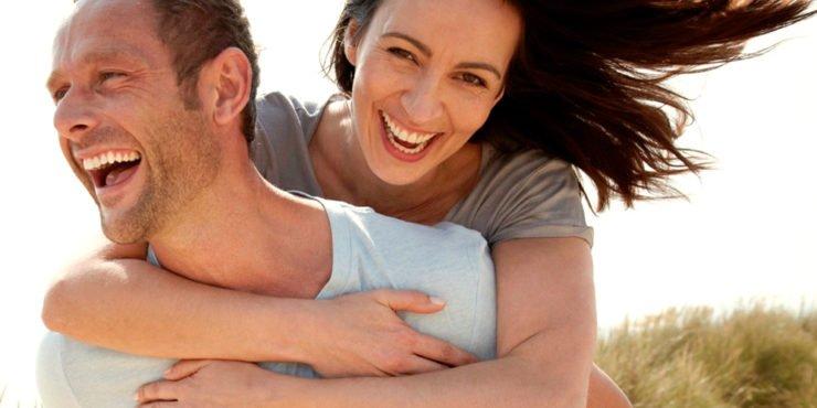 casal feliz com terapia